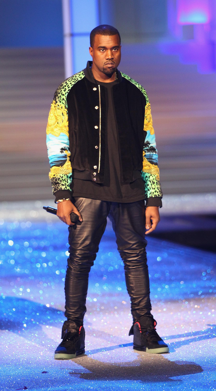 "Kanye West Slated To Drop New Album ""Yandhi""Over The Weekend"
