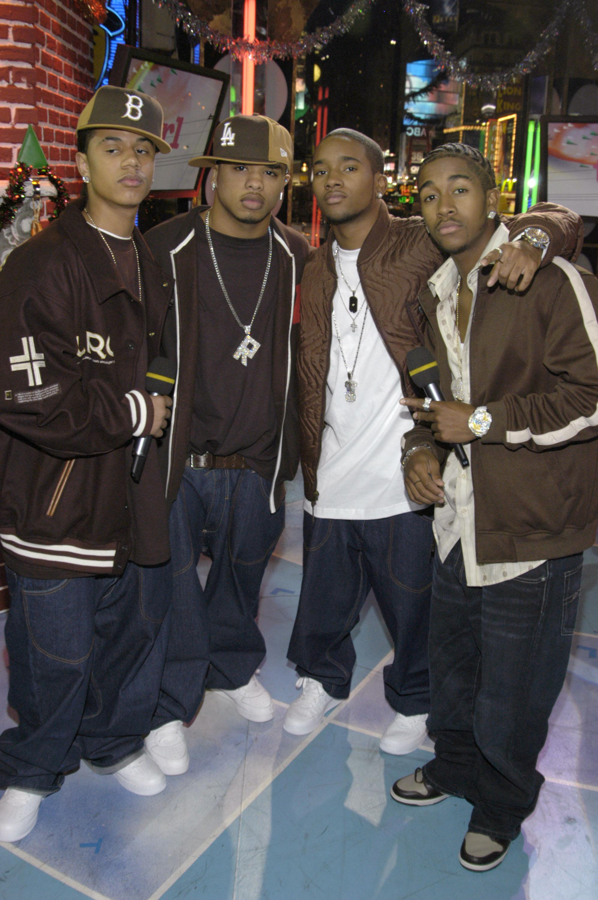 The Cast of 'Mona Lisa Smile' and B2K Visit MTV's 'TRL' - December 17, 2003