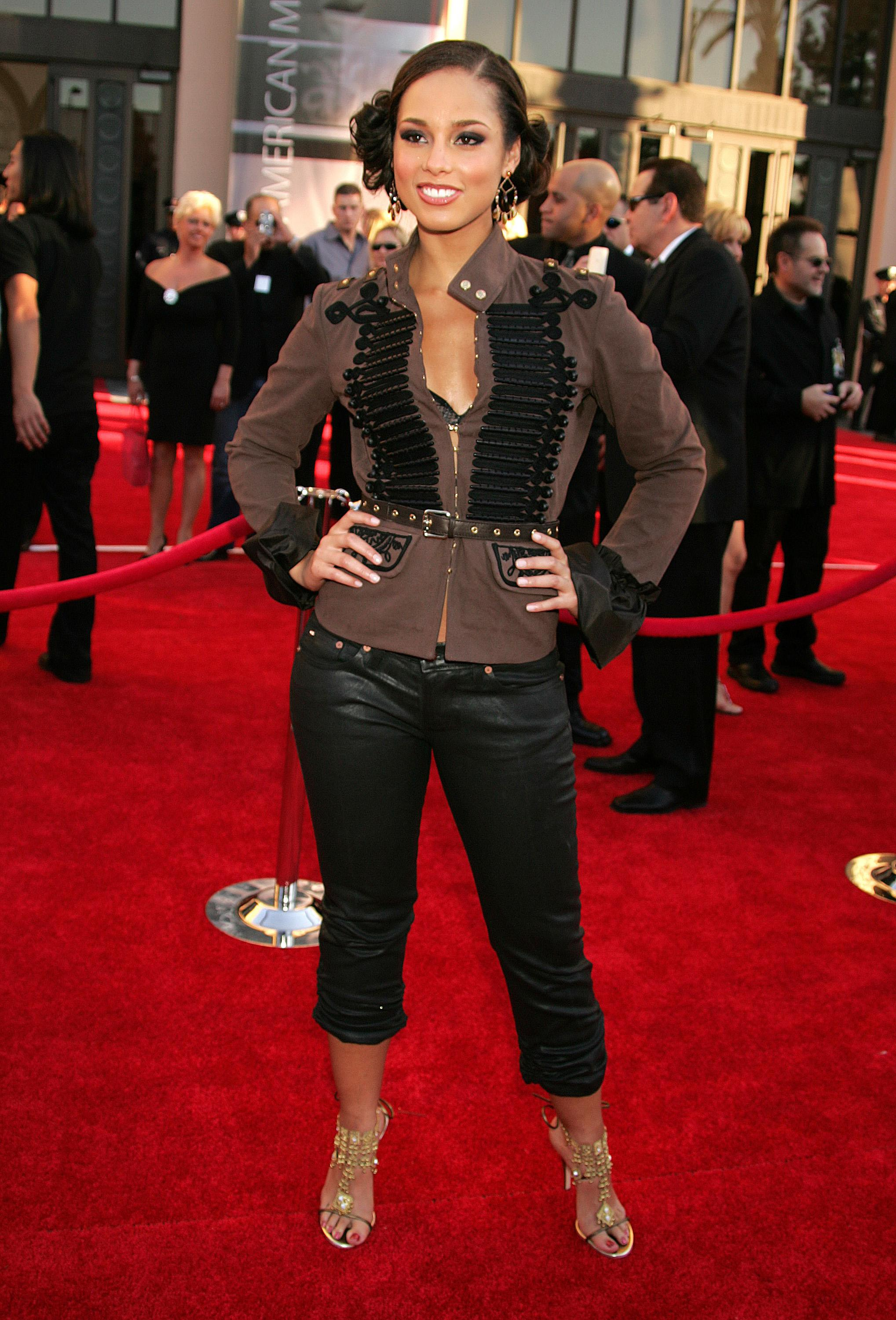 32nd Annual American Music Awards - Arrivals